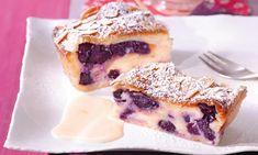Áfonyás túrósrétes Austrian Desserts, Baking And Pastry, New Years Eve Party, No Bake Desserts, French Toast, Veggies, Tasty, Cookies, Breakfast