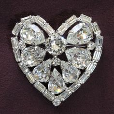 Weiss Clear Rhinestone Heart Brooch Pin