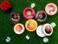 The body shop - I love the strawberry body butter Body Shop At Home, The Body Shop, Body Butter, Bath And Body, Beauty Products, Strawberry, My Love, Whipped Body Butter, My Boo