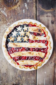 Make your own Flag Cake for the Fourth of July // All-American Pie With Cherries, Blueberries and Lemon-Butter Crust