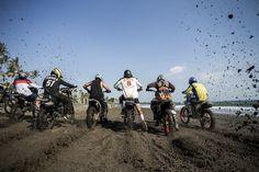 Slidetober Fest - Beach Track Race | Deus Ex MachinaDeus Ex Machina