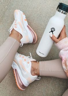 Fitness Motivation, Fitness Goals, Fitness Tips, Fitness Wear, Fitness Fashion, Athleisure, Healthy Starbucks Drinks, Outfits Spring, Cella Jane