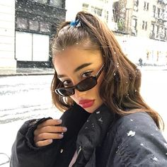 Sunglasses For Your Face Shape, Heart Shaped Sunglasses, Selfies, Estilo Madison Beer, Ray Bans, Tumblr Girls, Woman Face, Fashion Outfits, Womens Fashion