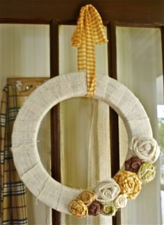 wreaths, ahhh wreaths. Such a simple thing and yet I have never had one...this must be rectified.