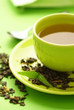 Green tea is a healthy drink obtained from the Camellia sinesis plant. It helps you lose weight fast & maintain it. Checkout how green tea aids weight loss. Weight Loss Tea, Green Tea For Weight Loss, Healthy Weight Loss, Losing Weight, Body Weight, Green Tea Benefits, Nutrition, Cleanse Recipes, How To Lose Weight Fast