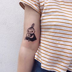 Auður Ýr: Such a lovely little assignment today Funny Tattoos, Sexy Tattoos, Cute Tattoos, Sleeve Tattoos, Tattoos For Guys, Tattoos For Women, Fashion Tattoos, Tatoos, Creative Tattoos