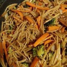 Németh Anna Fotóval kommentelte ezt: Kínai sült tészta - Cookpad receptek Health Diet, Kimchi, Clean Eating Recipes, Pasta Recipes, Bacon, Food Porn, Food And Drink, Favorite Recipes, Dishes