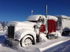 Peterbilt 379 cold start in the snow storm