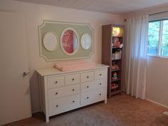 Love this design on the wall - so simple and classic, but makes a big impact! #nursery
