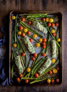 Easy Baked Salmon Gremolata recipe with Roasted Vegetables! This recipe is Paleo, low carb, low calorie and very healthy! Low Carb Keto, Low Carb Recipes, Cooking Recipes, Healthy Recipes, Healthy Meals, Chickpea Recipes, Eat Healthy, Diabetic Recipes, Soup Recipes
