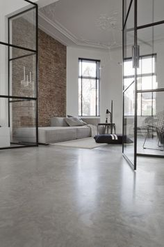 Urban Industrial Decor Tips From The Pros Have you been thinking about making changes to your home? Are you looking at hiring an interior designer to help you? Floor Design, House Design, Industrial Flooring, Lets Stay Home, Huge Houses, Urban Loft, Dream House Plans, Apartment Interior, Concrete Floors