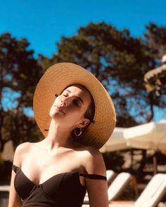 Lovely – The Emma Roberts Effect Emma Roberts Style, Best Designer Bags, Designer Belts, Designer Handbags, Instagram Girls, Instagram Makeup, Cultura Pop, Celebs, Celebrities