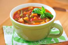 This page contains recipes for minestrone soup. A classic Italian soup containing pasta, beans and veggies, minestrone is the perfect cold weather comfort food. Vegetable Soup Diet, Italian Vegetable Soup, Italian Vegetables, Mixed Vegetables, Italian Soup, Frozen Vegetables, Vegetable Stock, Tomato Vegetable, Veggies