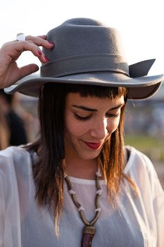 Braznu Magazine | Rock up your style!  A hat can be your best friend in a festival, it will protect you from the temperature swings and add that cool look (...)