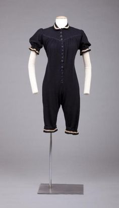 Bathing Suit    1900    The Goldstein Museum of Design