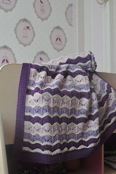 Ravelry: Project Gallery for Bounce pattern by tincanknits