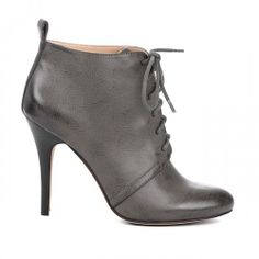 would go great with many diff outfits if it's grey... want to add this to my wardrobe when Spring hits!