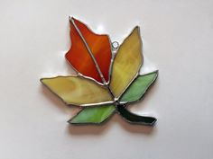 Hecho a mano vidrieras Suncatcher de hoja de arce de otoño por QTSG