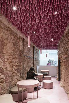 Galeria de 12000 palitos pintados de magenta / Ideo arquitectura - 14