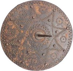 An original Scottish Highland targe, circa 1700-25, as carried by an everyday Scotsman Scottish Culture, Scotland History, England Ireland, Arm Armor, Picts, Scottish Highlands, Weapons, 18th Century, Roman Shield