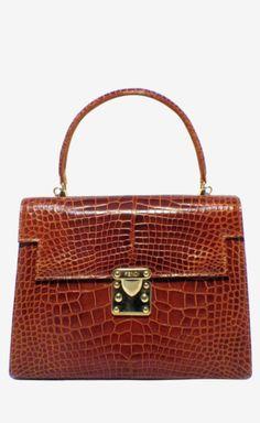 Fendi Brown Handbag | VAUNTE Handbag Accessories, Fashion Accessories, Working Woman, Clothes Horse, Go Shopping, Hand Bags, Tote Handbags, Passion For Fashion, Fendi
