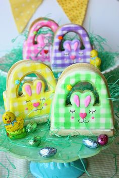 3D Bunny Basket Cookie for Easter by Munchkin Munchies. Additional colors added.