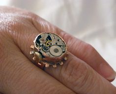 I love how they are using old watch parts for rings, necklaces and braclets.