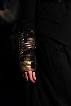 Donna Karan Fall 2014 Ready-to-Wear Fashion Show Donna Karan, Eye For Detail, Black Love, Couture, Fashion Show, Fashion Design, Modern Luxury, Yorkie, Bag Accessories