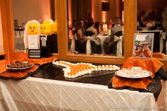 University of Texas cake balls in the shape of a longhorn - Houston wedding photography - MD Turner Photography