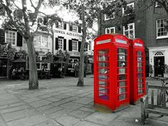 What do you know about city marketing? Today, we are here to share some of the amazing famous icons used for London's City Branding. Richmond Green, Richmond Surrey, Richmond Park, Underground Tube, London Underground, Uk Capital, National Rail, City Branding, Telephone Booth