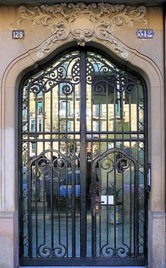 Barcelona - Mallorca 312 d | Farmàcia Puigoriol 1914 Archite… | Flickr