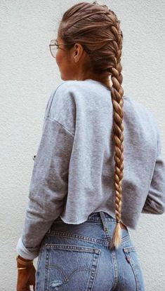 This post contains the most amazing braided hairstyles. These braids will make your hair looks fabulous, attractive and most of all charming Grow Long Hair, Braids For Long Hair, Hair Styles For Long Hair For School, Messy Hairstyles, Pretty Hairstyles, Hairdos, Glasses Hairstyles, Hairstyles 2018, Everyday Hairstyles