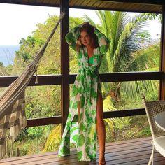 """Nossa @marinaruybarbosa escolheu a badalada #FabulousAlMare #FabulousAgilita para usar em Noronha! Super gorgeous! ✨"""