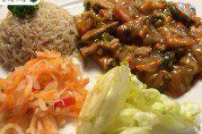 Zeleninová čína z tempehu Tempeh, Food And Drink, Beef, Vegan, Chicken, Meat, Vegans, Steak, Cubs