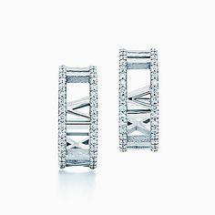 Atlas® hoop earrings in 18k white gold with diamonds, small.