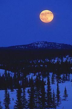 Les collines d'Alembert près de la maison où j'ai grandit.  Crédit : Mathieu Dupuis Destinations, Canada, Destination Voyage, Secret Life, Moonlight, Escapade, Celestial, Comme, Landscapes