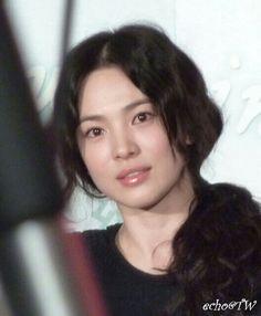 Song Hye Kyo Style, Beauty Makeup, Hair Beauty, Very Good Girls, Fall Makeup, Face Hair, Celebs, Celebrities, Ulzzang Girl