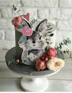 New birthday cake recipe unique Ideas New Birthday Cake, Birthday Cupcakes, Baby Cakes, Kid Cupcakes, Cupcake Cakes, Cupcake Recipes For Kids, Rabbit Cake, Cake Wrecks, Animal Cakes
