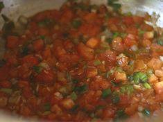Sopa de Patacones - AntojandoAndo Columbian Recipes, Shirataki Noodles, Colombian Food, Home Recipes, Cilantro, Salsa, Picnic, Soup, Lunch