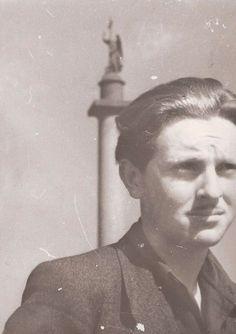 Иосиф Бродский на Дворцовой площади, 1956 г.