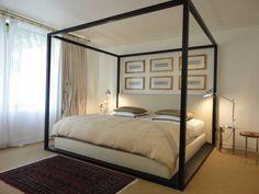 Diseño de cama con estructura y líneas simétricas.