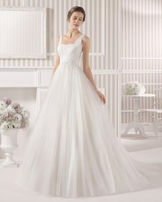8S113 LAND | Wedding Dresses | 2015 Collection | Luna Novias