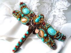 """Beaded dragonfly brooch """"Samthina""""  with turquoise."""