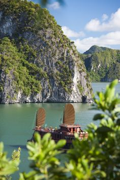 Start planning your South East Asian adventure with these top 10 must-do's when visiting Vietnam.