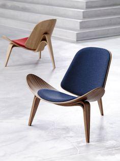 ~ prefect curves (on a chair haha)  ++Shell Chair fra Carl Hansen & Søn #furniture #chair #design