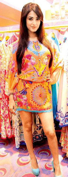 Sonal Chauhan makes a printed statement #Bollywood #Fashion