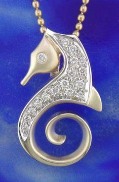 seahorse pendant - nice!