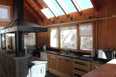Classic style kitchen by Gingins - Aguirre