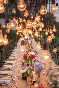 Will you wanna show how gorgeous wedding lights can be, how creative wedding table deco can be? Get ready for these sparkly wedding ideas! Perfect Wedding, Dream Wedding, Cat Wedding, Woodsy Wedding, Magical Wedding, Wedding Beauty, Luxury Wedding, Wedding Bride, Boho Chic