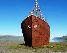 Islande : sur la plage, le bateau échoué